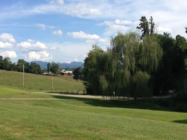 Peaceful Mountain Getaway - Mars Hill - Casa