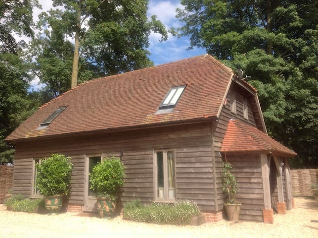 Oak Framed Barn Self Catered - Winchester