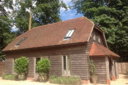Oak Framed Barn Self Catered - Winchester - Hus