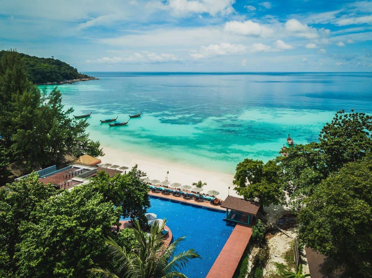 Beachfront location in Pattaya beach, Ko Lipe