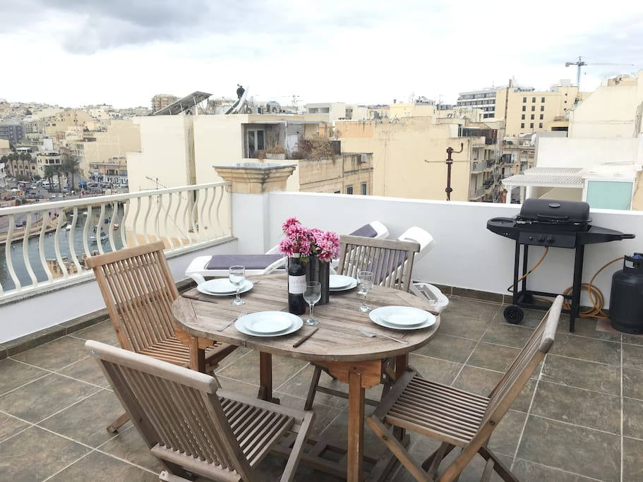 Fully Equipped Terrace.