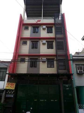 Budget Studio Unit near Makati Business (3)