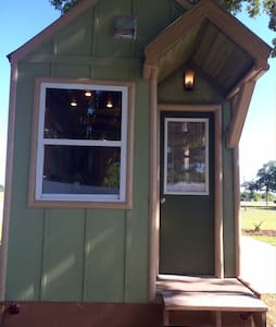 Legoland Lakefront TinyHouse w boat SEPT SPECIAL! - Winter Haven - Haus