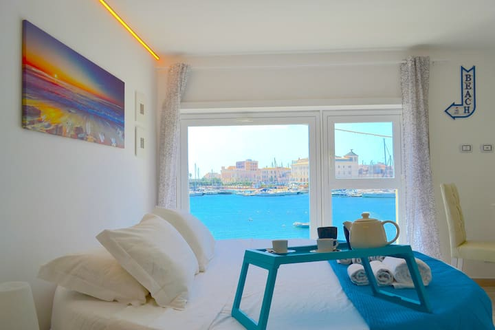 Flamingo Loft -SEASIDE- Sea & Ortigia View-Jacuzzi