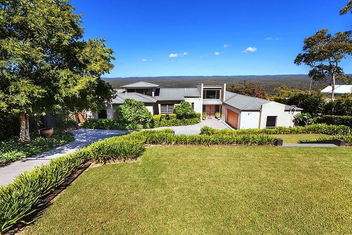 Ultra modern Glenbrook home with amazing views. - Glenbrook - Casa