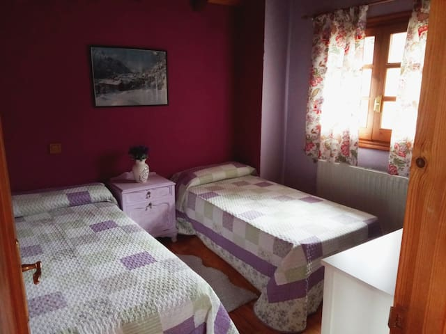 Dormitorio camas gemelas. Segunda planta