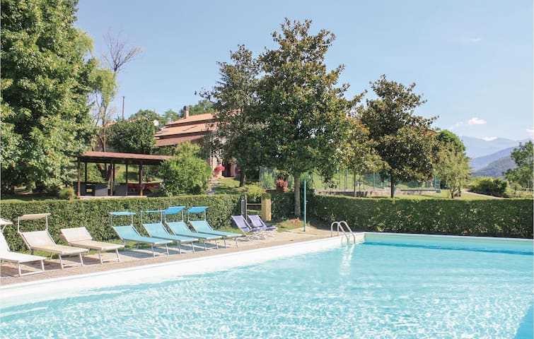 Holiday apartment with 1 bedroom on 60m² in Fivizzano (MS)