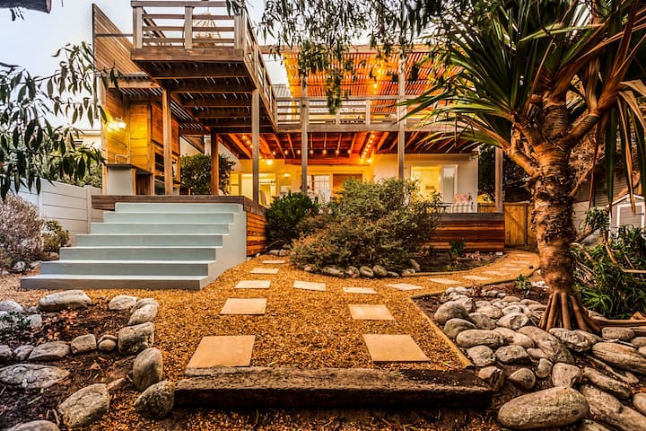 Narnia - Laid Back Luxury Beach House Rental