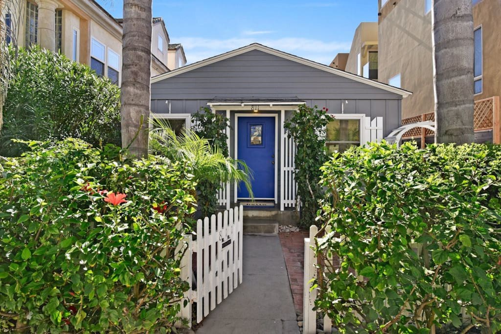 Welcome to Azul, one of two cottages on this property located steps to the Mission Beach and Mission Bay