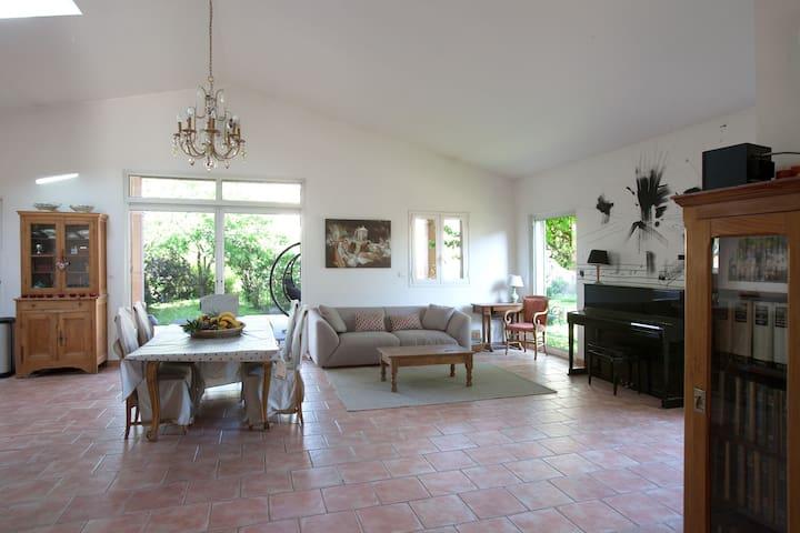 Grande Villa avec piscine au coeur de St-Maximin - Saint-Maximin-la-Sainte-Baume - Villa