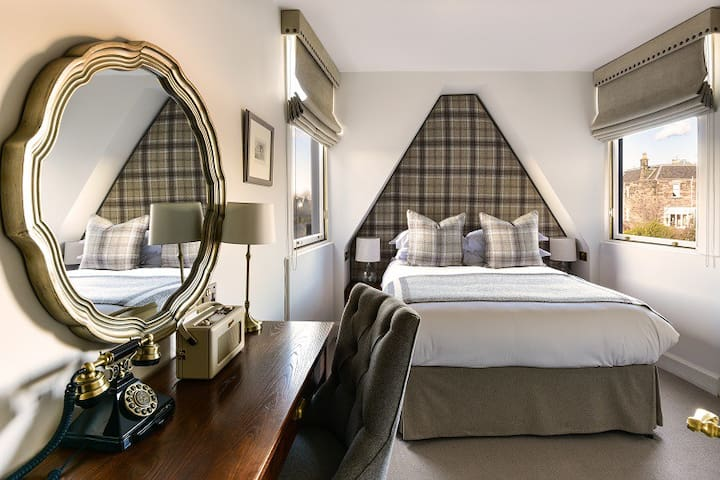 Cosy Luxury Double, Located in Haymarket