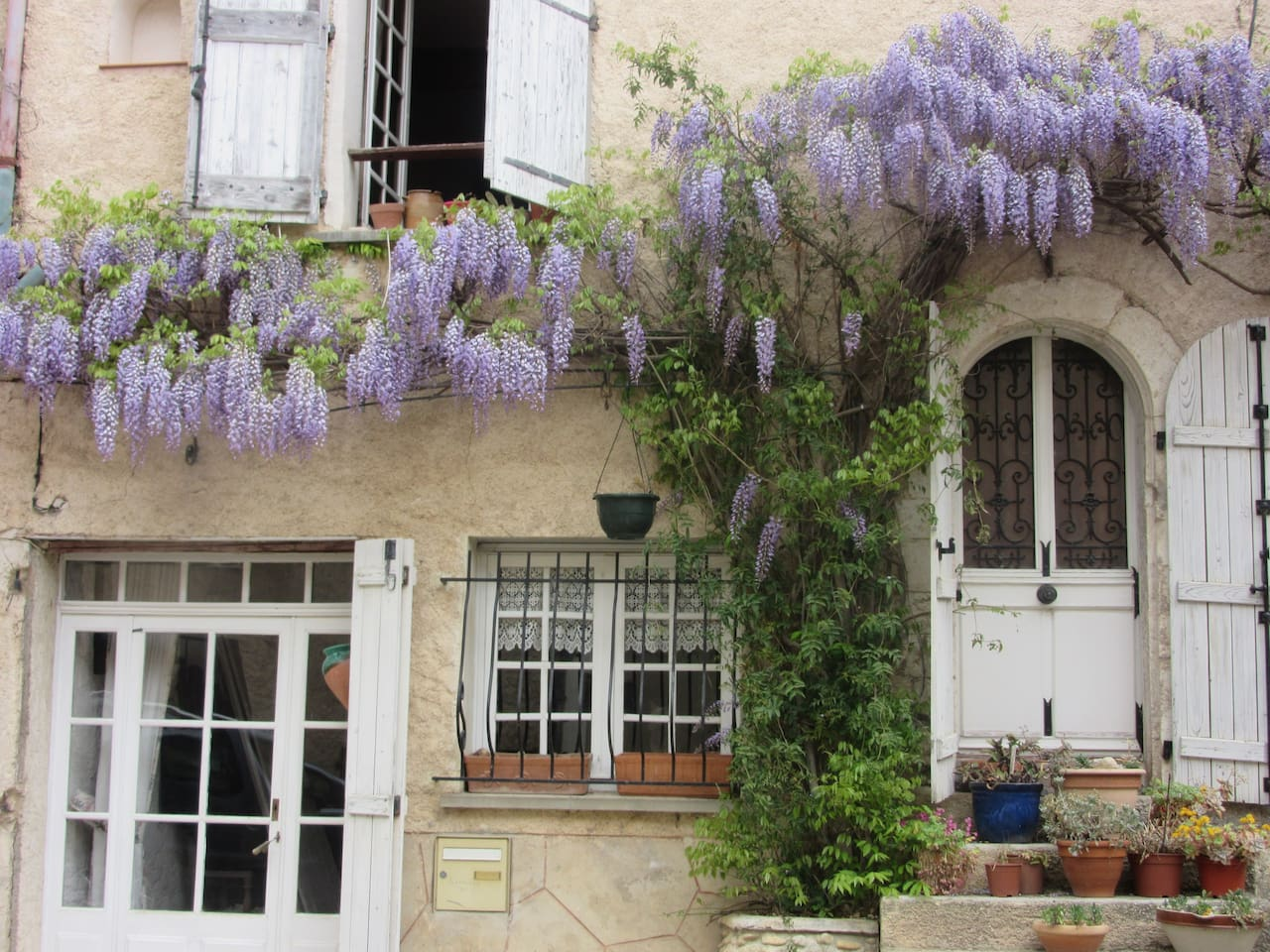 une façade fleurie