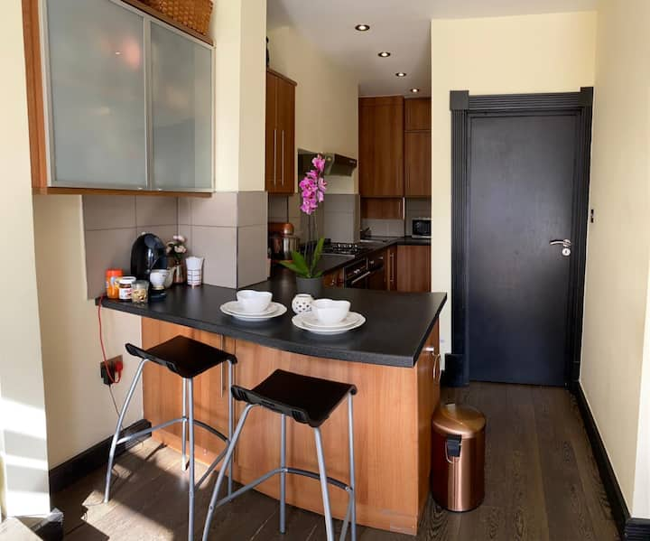 double Bedroom, well located, close to metro