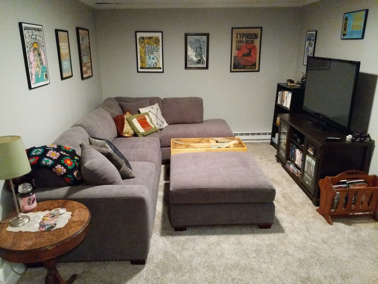 Living room and brand new, super comfy and gigantic couch!