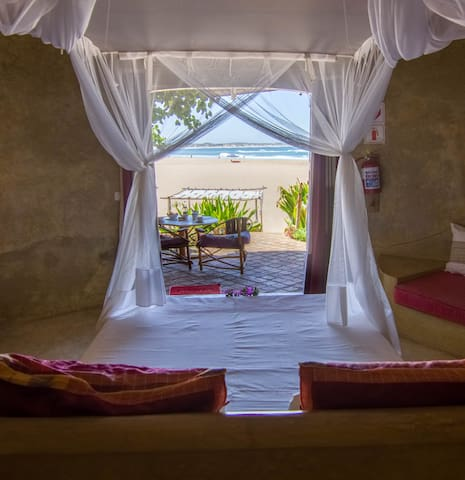 Casa Amarela Luxury King Room - Tofo Beach - Guesthouse