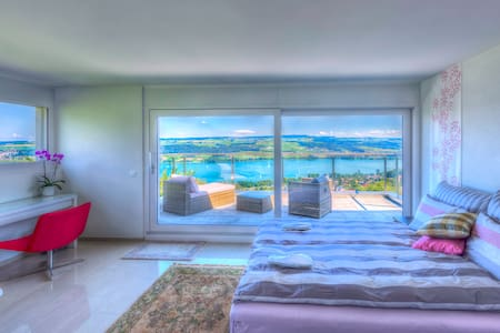 Belair B&B / Luxury Suite - Panorama Lake View - Beinwil am See - 住宿加早餐