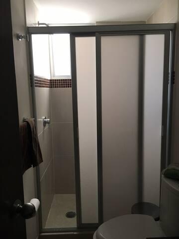 Baño privado ofrecido