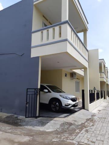ALVINO Homestay murah dan nyaman dekat bandara