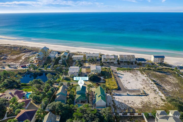 Family Friendly Beach Home-Private Pool-Gulf Views-Only 100 yards To The Beach!!