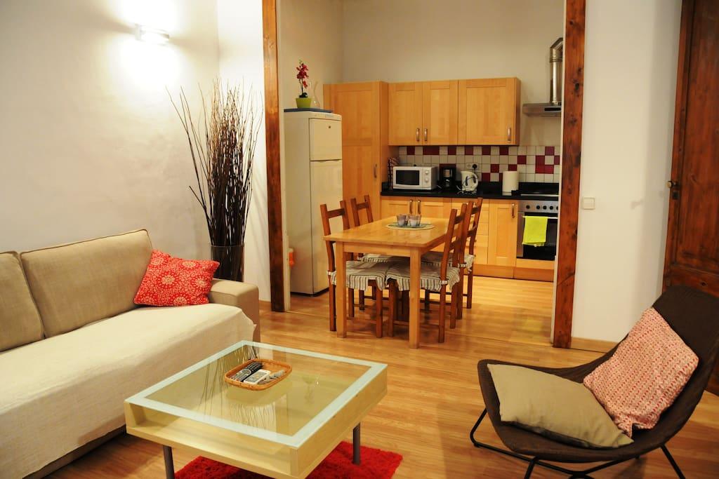 Salon and open kitchen