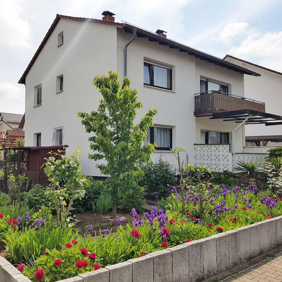 Ferienwohnung im Erdgeschoss mit Terrasse - wird nur von Gästen bewohnt.