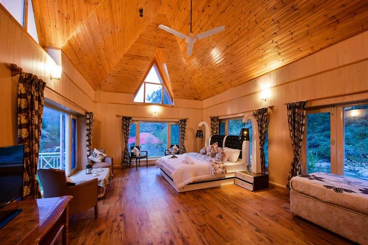 Pah Nala, Kullu | Family Room |