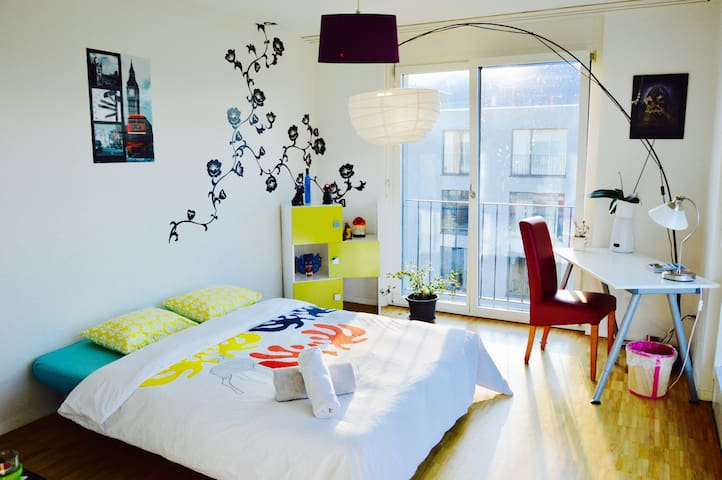 ❤ Centrally Situated Roof-Top Modern  Cosy Flat ☺ - Zurique - Apartamento