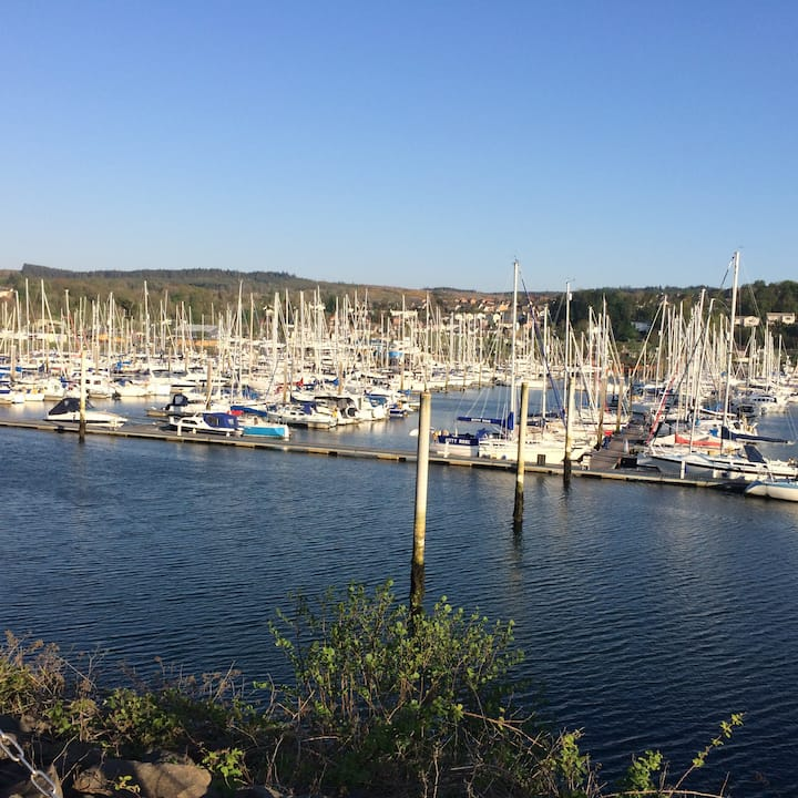 Lovely apartment on picturesque Inverkip marina