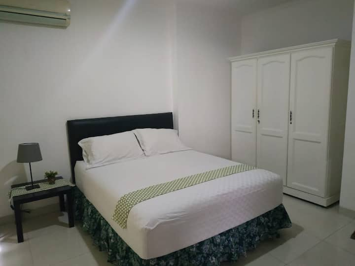 Comfy Double Bedroom in Senayan