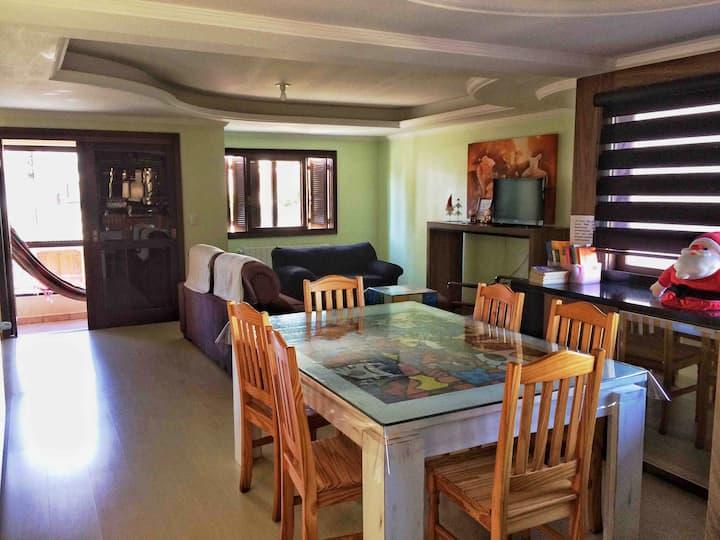 Apto com suite, bairro Rio Branco - Caxias do Sul