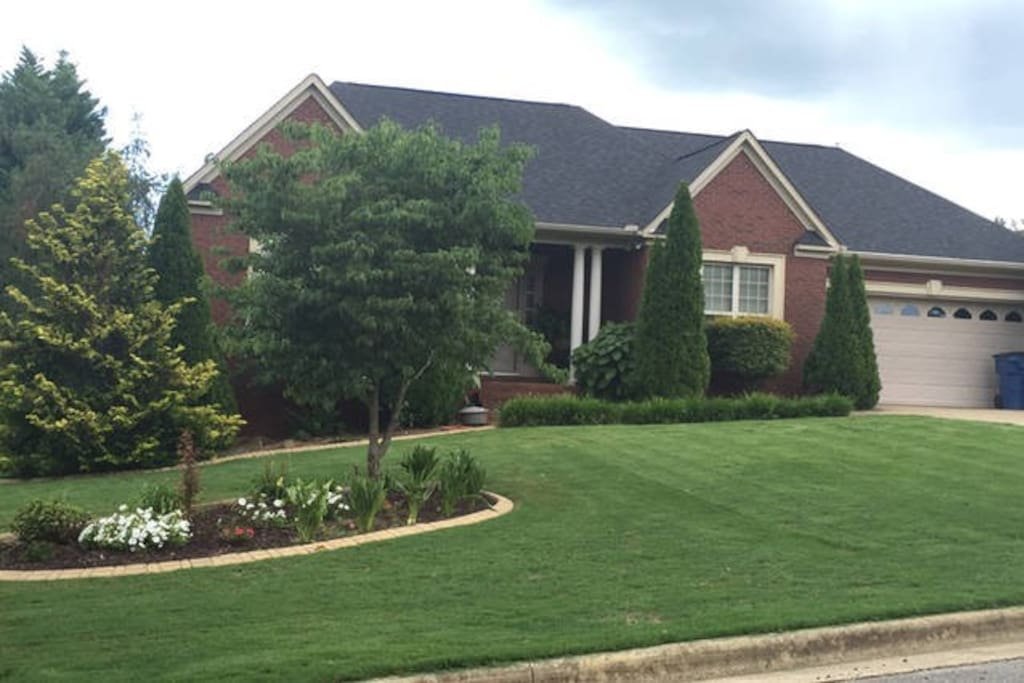 House from street view. (Walking distance to JSU stadium)