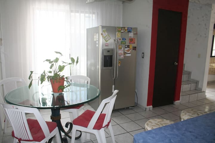 Cancun downtown, sleeps 1 ~ 2, excellent location - Cancún