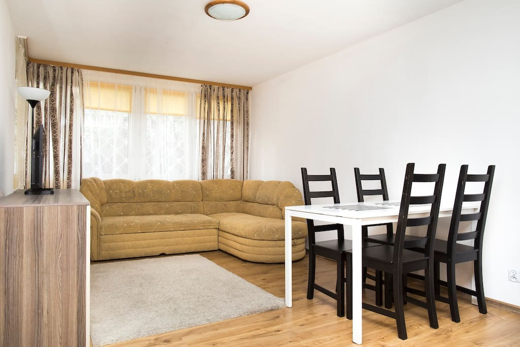 Living room with table for 4 people