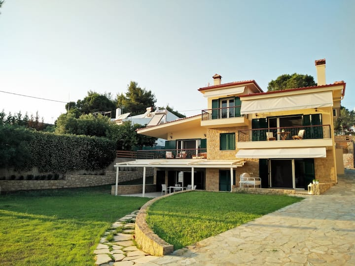 1 Moriel Seaside Homes Suites