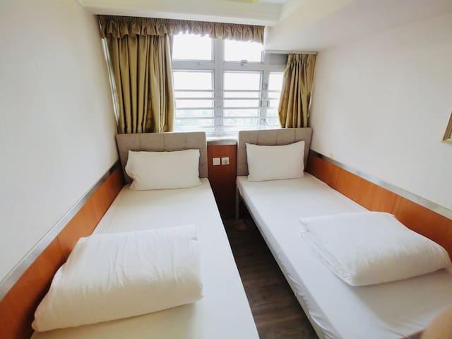 尖沙咀地鐵口+星光大道+維多利亞+海港城+中港城 有窗雙床房 獨立衛浴