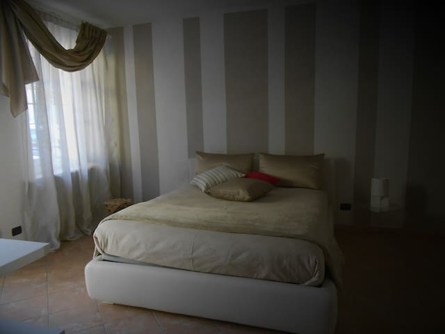 Asfodelo rooms - Bra - Bed & Breakfast