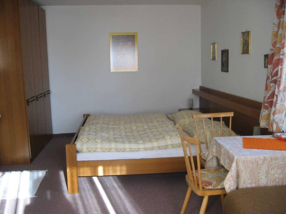 appartement claudia wohnungen zur miete in finsing tirol sterreich. Black Bedroom Furniture Sets. Home Design Ideas