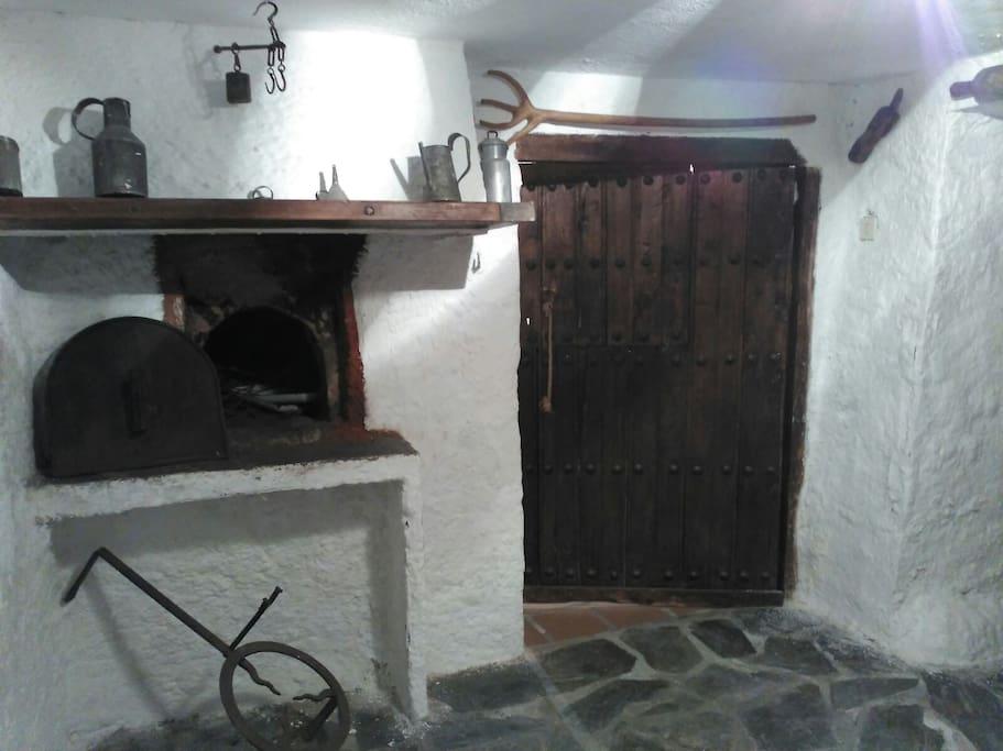 Horno de leña moruno / Traditional moorish wood oven