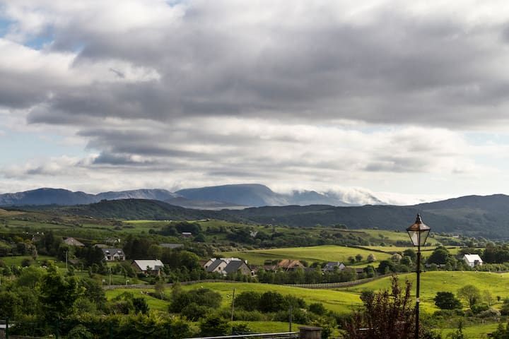 Westport rooms in cosy house with Connemara views
