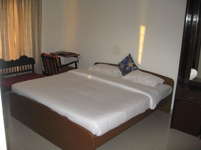 A Home Away From Home in Chennai @ OMR - Chennai - Flat