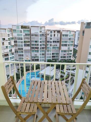 Cozy Studio Apartment, High Floor,  Unblocked View