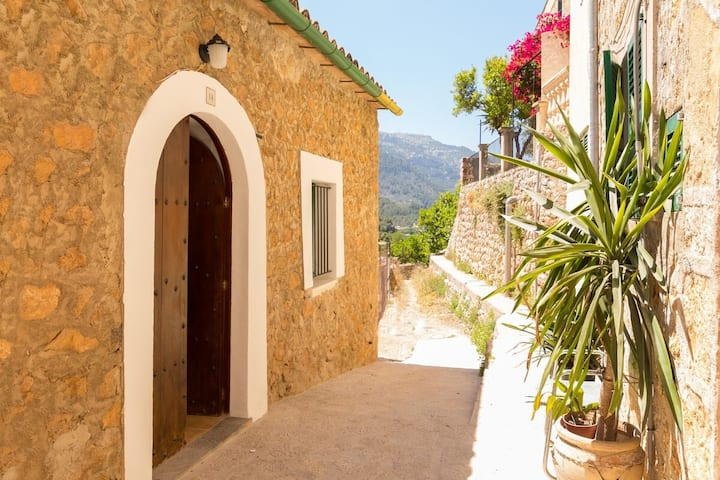 Town House Alba in Fornalutx