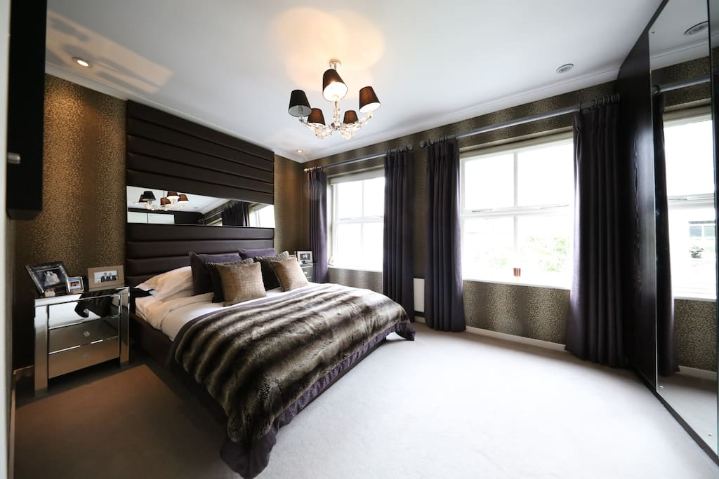 Hotel style boutique 2 bedroom house w garden houses for for Boutique hotel style bedroom