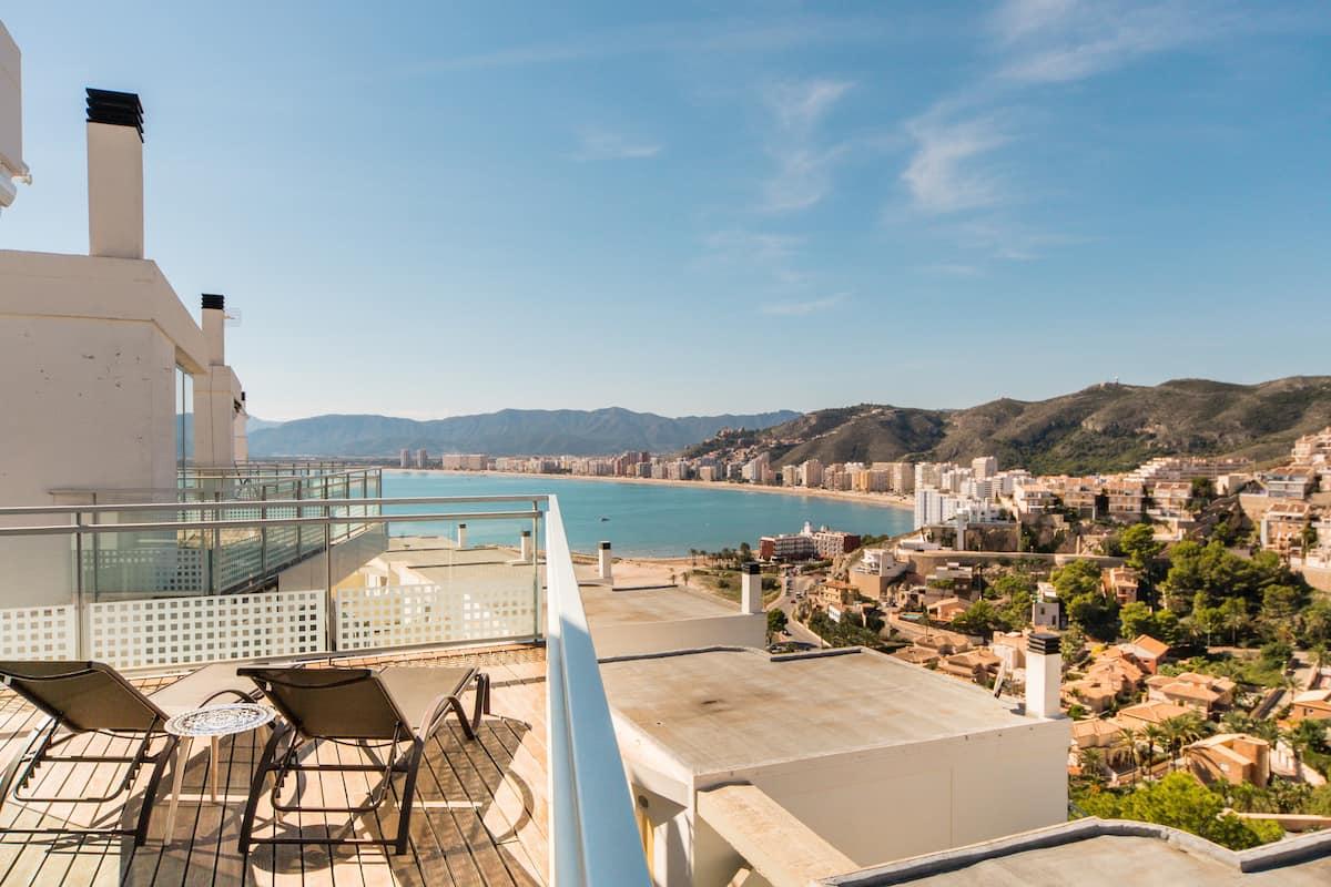 Panoramic Views of Cullera Bay at a Sophisticated Villa