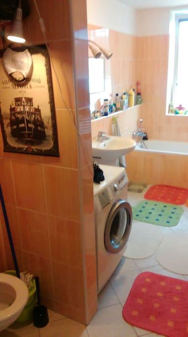 Koupelna s wc a vanou