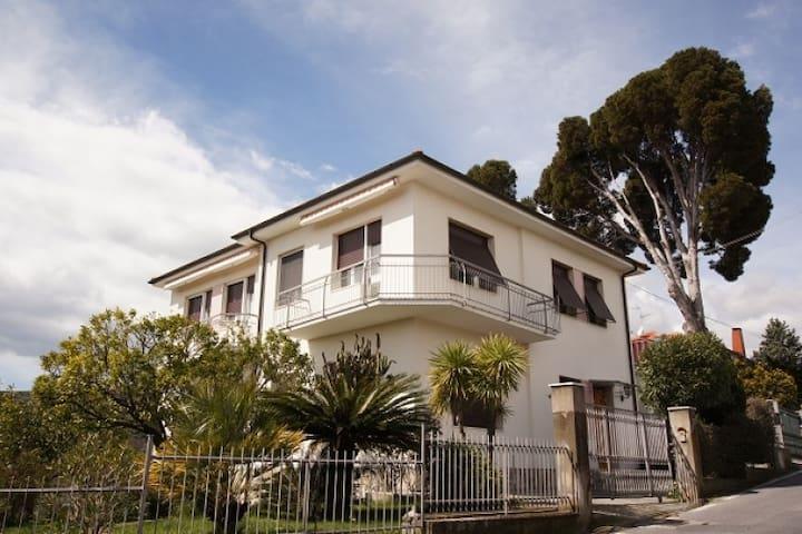 Casa Belvedere - Diano Castello