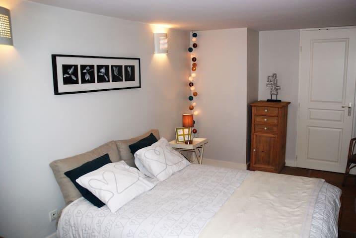 Airbnb® | Francheville Le Bas, Lyon – Ferienwohnungen ...