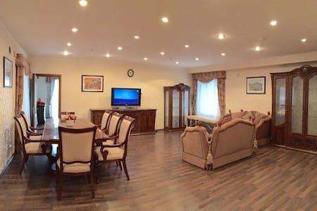 Апартаменты в коттеджном городке - Kozyn