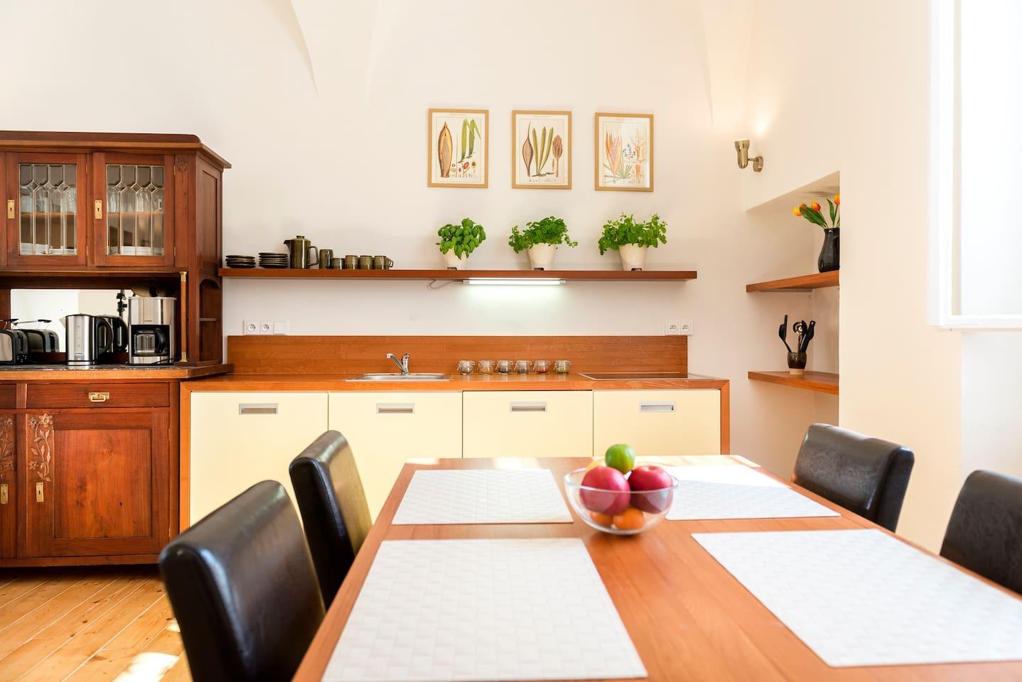 Spacious kitchen: hob, fridge, dishwasher, microwave, coffee maker,