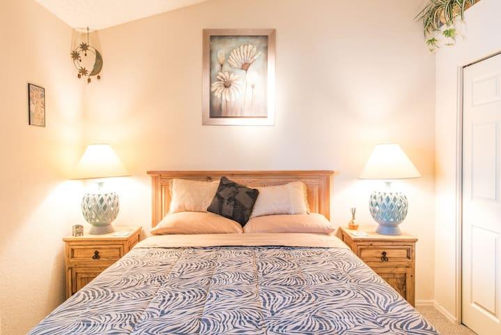 Beautiful room with Queen bed & TV.